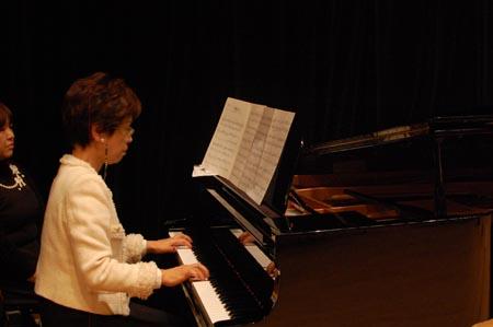岡山の特別養護老人ホーム【愛光苑】2012クリスマスコンサート2
