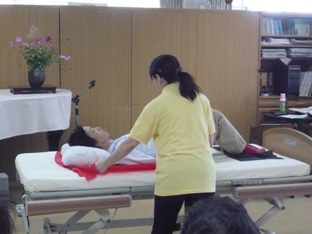 特別養護老人ホーム【愛光苑】「負担の少ない介助方法」2