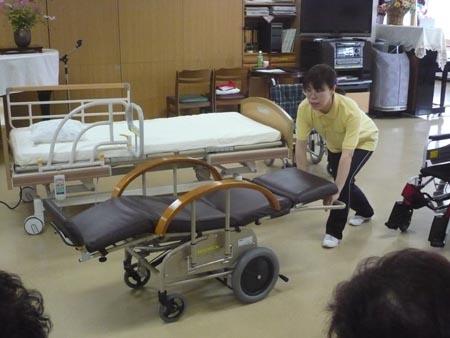 特別養護老人ホーム【愛光苑】「負担の少ない介助方法」3