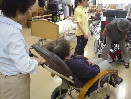 特別養護老人ホーム【愛光苑】「負担の少ない介助方法」4